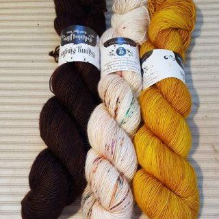 Knit Alongs & Knitting Patterns